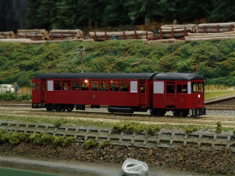 Cammel railcar